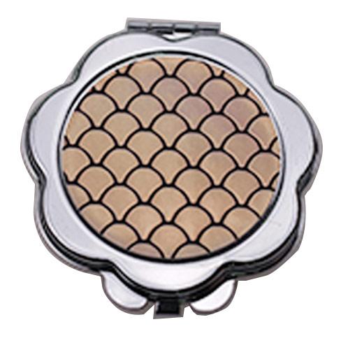 花瓣形铁质化妆镜  折叠随身便携镜定制